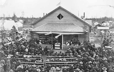 Dedication_of_the_first_Court_House_at_Fairbanks_Alaska_July_4th_1904